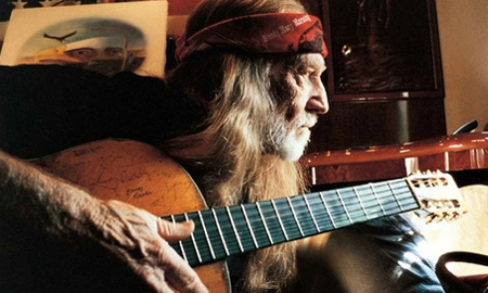 Willie Nelson with Trigger, Musicians for freedom 209 hall of fame