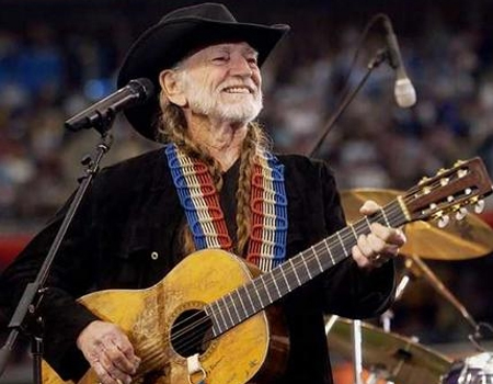willie nelson with trigger, musicians for freedom hall of fame 2009