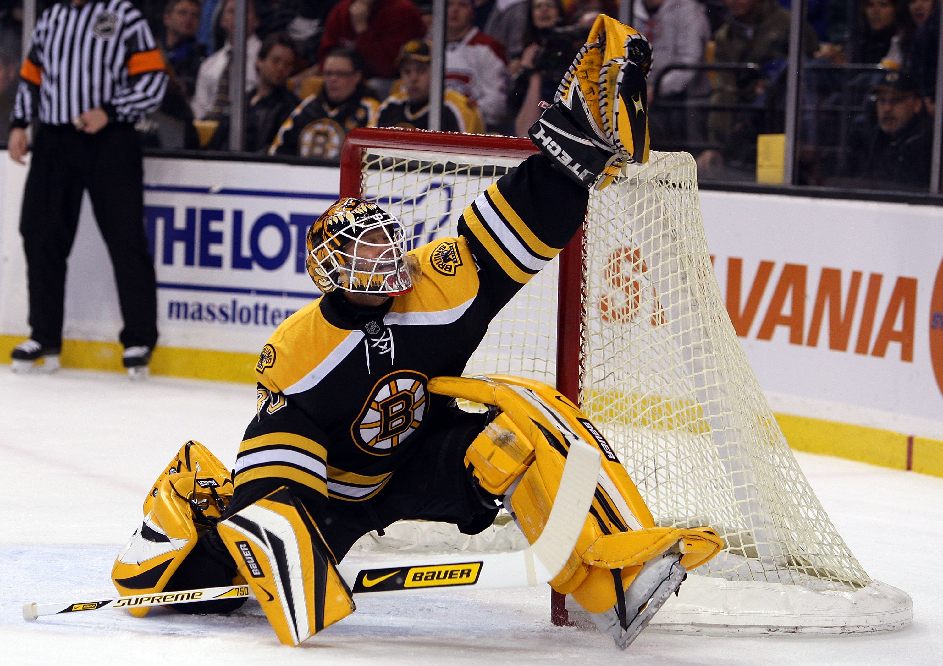 Tim Thomas Declined to Visit the Whitehouse with his Team