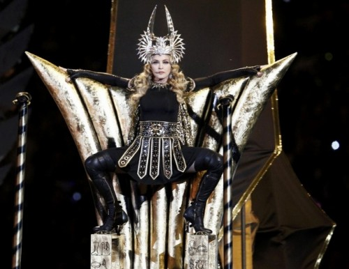 Madonna wearing the Crown of Hathor at the Superbowl