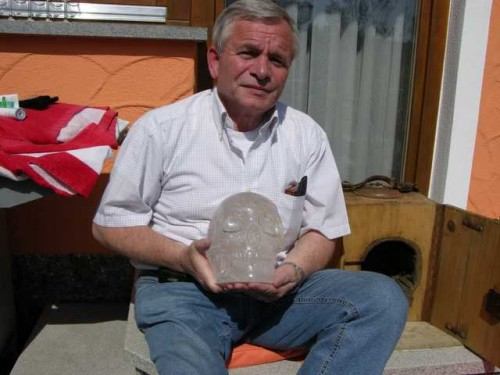 Klaus Dona brings archeological artifacts and art to the public