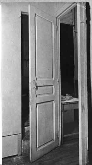 Marcel Duchamp's Door