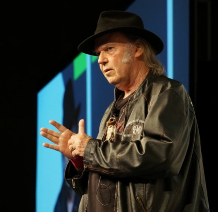 Neil Young introduces MP3 player at SXSW